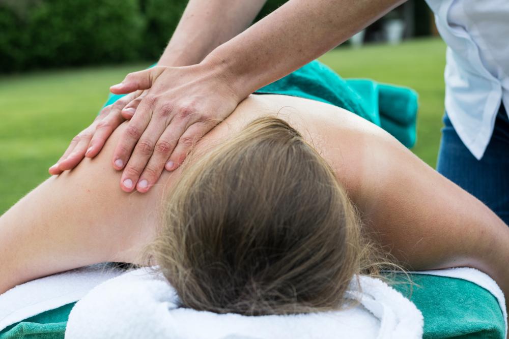 Sportmassage en fysiotherapie schouder en nek, regio Amersfoort